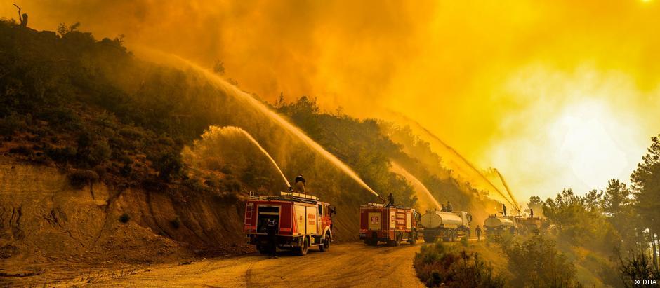 حرائق في غابات أنطاليا في تركيا