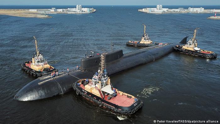 Атомная подлодка Орел в гавани Кронштадта