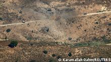 Eine israelische Bombe hat eine Straße in der Nähe der libanesischen Stadt Marjayoun getroffen