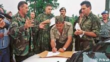 Unterzeichnung der Kapitualtion des 21. Korps der Serbischen Armee gegenüber der Kroatischen Armee am 8.8.1995 in Glina/Kroatien