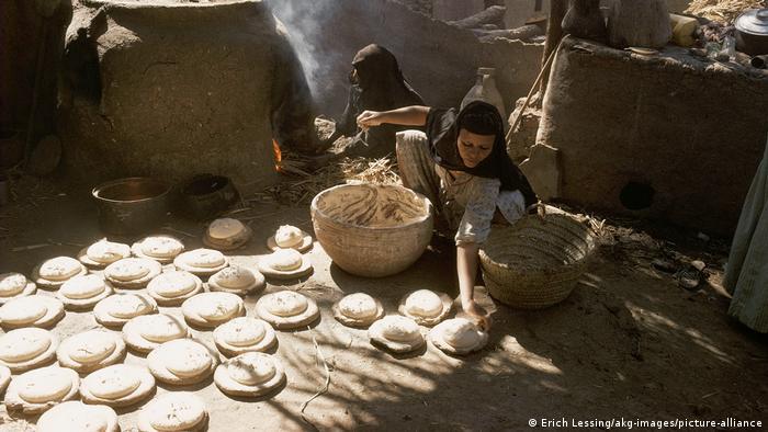 Ägypten | Frauen backen Brot