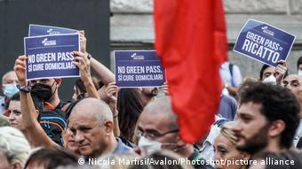 Πορεία διαμαρτυρίας κατά του πράσινου πάσο στο Μιλάνο
