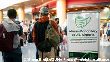 August 5, 2021, Seattle, Washington, USA: As outbreaks the delta variant of the coronavirus ravage communities, record number of travelers are taking to the skies at Seattle's SeaTac International Airport. A mask mandate is still in place for all US airports and on all flights. (Credit Image: © Gregg Brekke/ZUMA Press Wire
