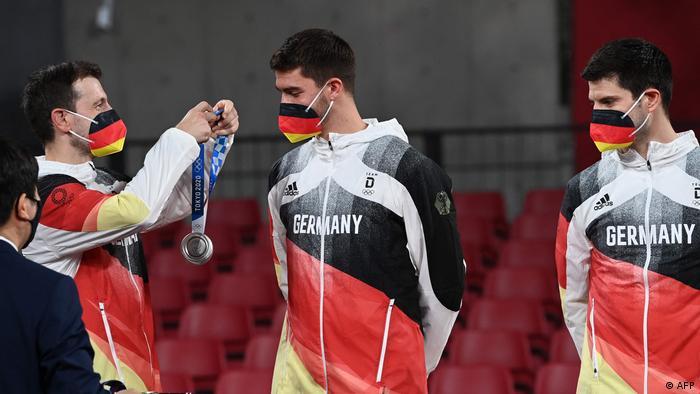 Olympische Spiele Tokio   Tischtennis-Herren Deutschland Silber