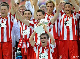 Bayern lift the German Super Cup