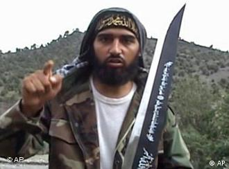 Боевики-исламисты охотно позируют с оружием: член Исламского движения Узбекистана Абу Аскар из Германии