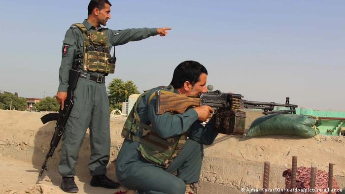 Les talibans se sont emparés mardi d'une nouvelle capitale provinciale, Farah, dans l'ouest.