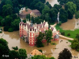 Aeriel view of flooding affecting the castle in the Fuerst Pueckler park