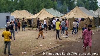 Лагерь беженцев на военном полигоне Руднинкай, Литва, 4 августа 2021 года.