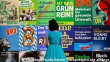 Impressionen von Wahlplakaten und Parteigeschenken beim Pressegespräch zur neuen Ausstellung 'Wähl mich! Parteien plakatieren' im Haus der Geschichte in Bonn. Vom 17. Juni bis 10. Oktober 2021 werden hier rund 100 historische Wahlplakate aus Bundestags- und Landtagswahlen präsentiert und dabei einzelne Komponenten der Wahlplakate in den Blick genommen: Köpfe, Farben und Slogans aus 70 Jahren demokratischer Wahlen in der Bundesrepublik Deutschland dokumentieren, wie sich Themen, Ästhetik und Ansprache der Wählerinnen und Wähler geändert haben. Bonn, 17.06.2021