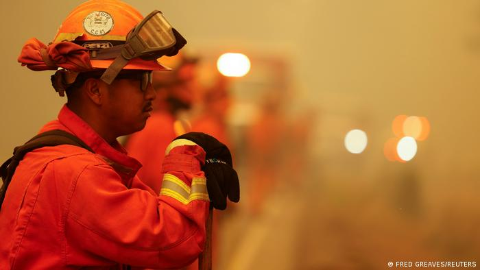 Пожарный в Калифорнии