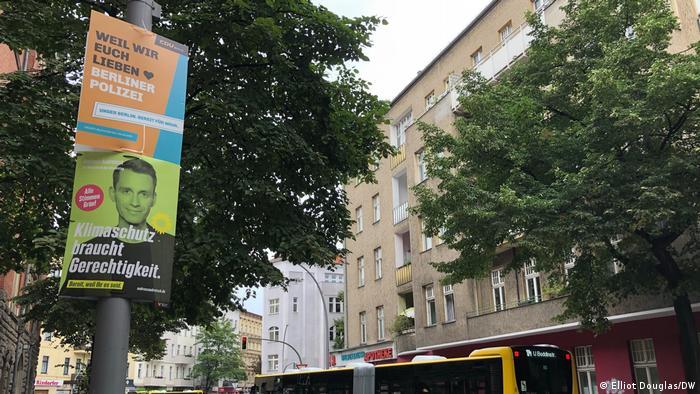 Plakat partai CDU dan Partai Hijau di Berlin