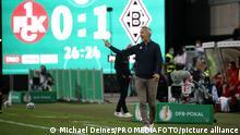 Adi Hütter (Trainer, Borussia Mönchengladbach), Fußball, DFB-Pokal, 1. Hauptrunde, 1. FC Kaiserslautern - Borussia Mönchengladbach, 09.08.2021, Fritz Walter Stadion, Kaiserslautern, Deutschland, Foto: Michael Deines/PROMEDIAFOTO ** DFB & DFL regulations prohibit any use of photographs as image sequences and/or quasi-video. **