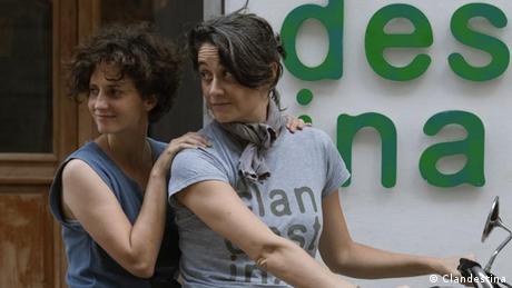 Idania del Río y Leire Fernández, cofundadoras de Clandestina, primera marca de ropa cubana con ventas online.