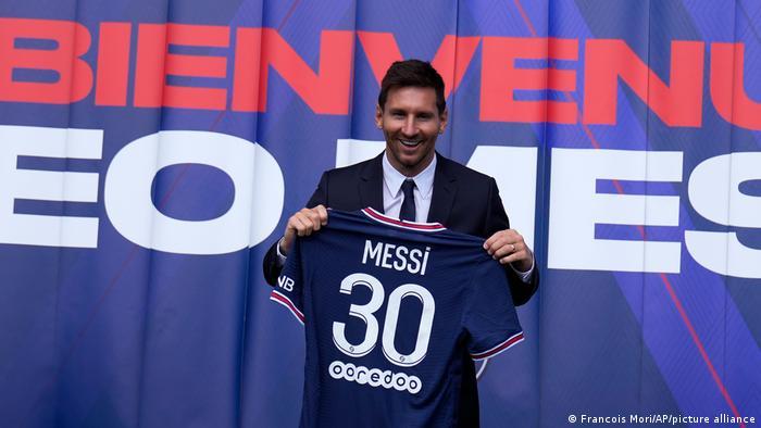 Paris Präsentation Messi PSG Trikot Nummer 30