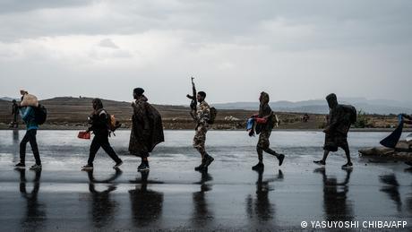 Immer mehr junge Kämpfer Für den Widerstand melden sich immer mehr junge Menschen, um den vereinigten Truppen der Zentralregierung und Eritreas entgegenzutreten. Viele der neuen Kämpfer der selbsternannten Tigray Defence Force (TDF) sind gerade mal im Teenageralter.