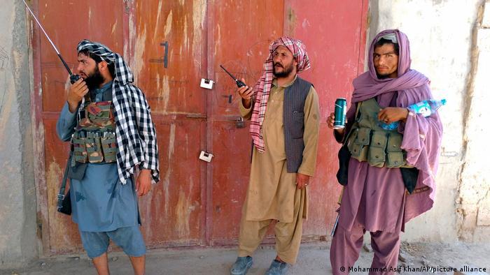 Taliban militanlarının Afganistan'daki ilerleyişi sürüyor
