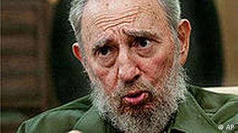 In this photo released by the state media Cubadebate web site, Cuba's former leader Fidel Castro gestures as he speaks during an interview with a group of Venezuelan journalists in Havana, Cuba, Sunday Aug. 8, 2010. In background, a painting depicting Cuban independence hero Jose Marti. (AP Photo/Cubadebate, Roberto Chile)