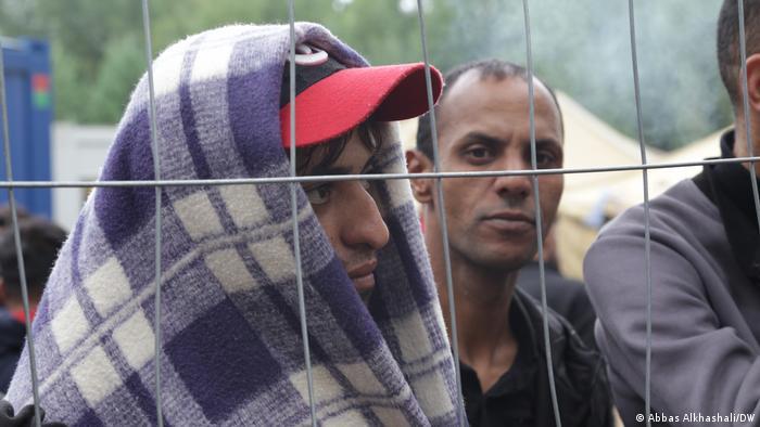 Čekanje na budućnost: detalj iz izbegličkog kampa Rudninkaj