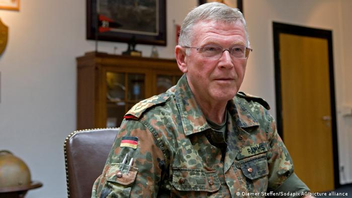 General Egon Ramms im Nato Hauptquartier in Heidelberg