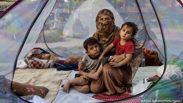 Kabul. Rodzina uciekinierów ze zdobytego przez talibów Baghlan