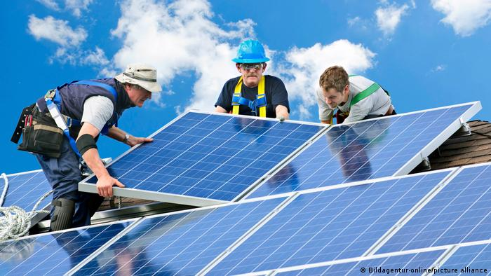 4 Ways To Make Solar Panels More Sustainable Environment All Topics From Climate Change To Conservation Dw 17 08 2021