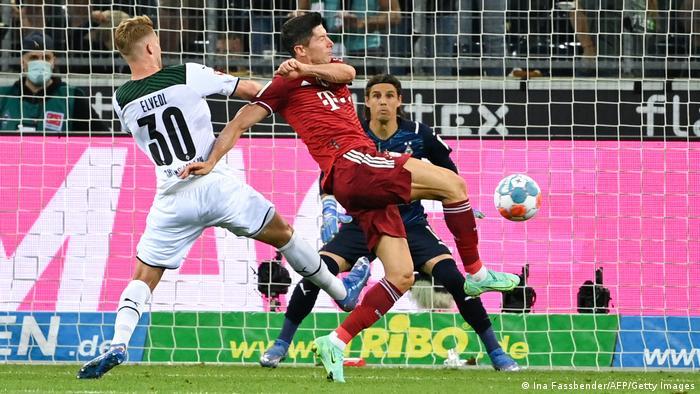 Bundesliga Auftakt | Borussia Mönchengladbach v FC Bayern München