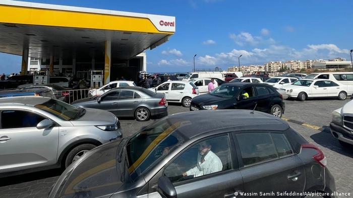 Libanon | Wirtschaftskrise | Tankstelle in Beirut