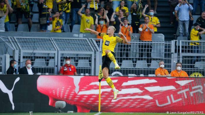 Borussia Dortmund's Erling Haaland celebrates scoring their third goal against Eintracht Frankfurt