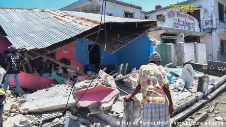Η Αϊτή εξαρτάται και πάλι από τη διεθνή βοήθεια