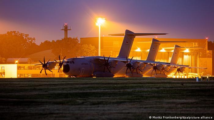 Транспортные самолеты бундесвера перед отлетом в Афганистан