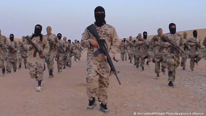 Бойовики Ісламської держави на одному з пропагандистських роликів