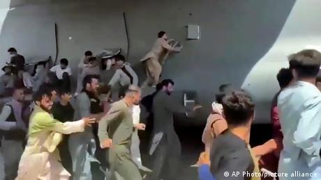 """Σταϊνμάιερ για Αφγανιστάν: """"Εικόνες ντροπής για τη Δύση"""""""