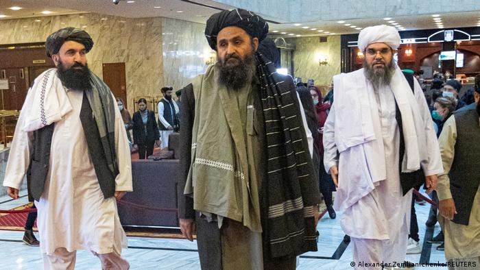 ملا برادر با دو تن دیگر از اعضای رهبری طالبان