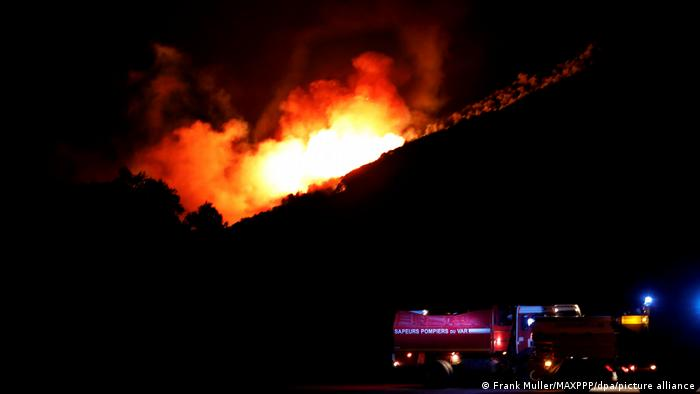 Frankreich Waldbrände in der Nähe von Saint-Tropez