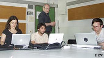 Studiengang Multimediale Komposition: Georg Hajdu mit Studenten