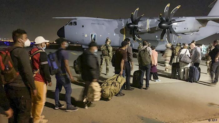Warga Prancis mulai dievakuasi dari Kabul