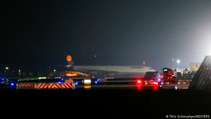 Lufthansa Flugzeug aus Kabul landet in Frankfurt