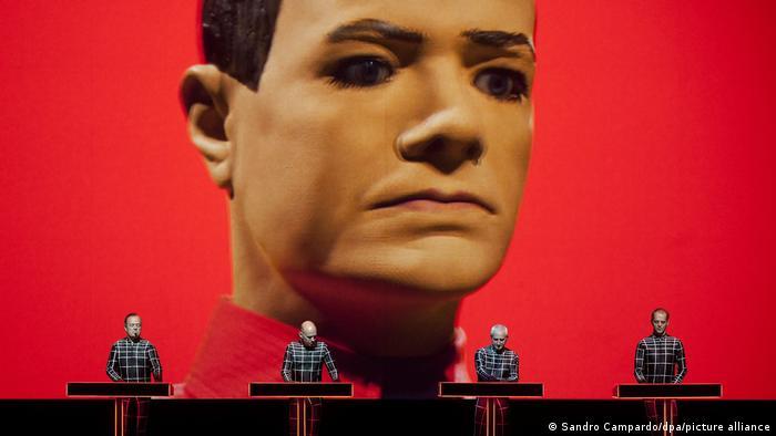 Kraftwerk na koncertu u švicarskom Montreuxu (2013.)