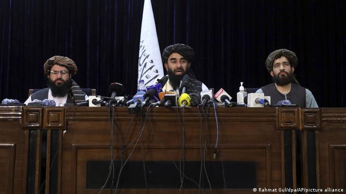 Los talibanes fingen ser tolerantes para ser reconocidos internacionalmente, dice el periodista Payman.