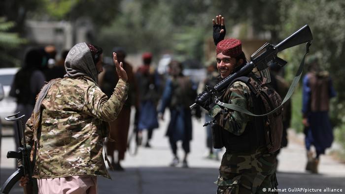 Combatientes talibanes en Kabul.