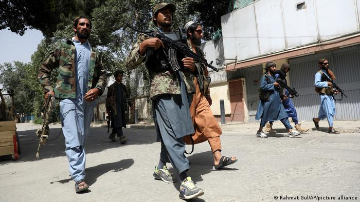 Afganistan | Talibani înarmați la Kabul