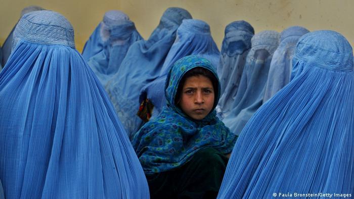 Quel avenir pour les Afghanes, avec le retour des talibans?