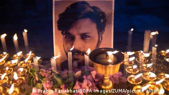 Nepal   Mahnwache für den in Afghanistan getöteten Journalisten Danish Siddiqui