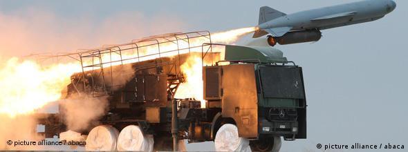Test der iranischen S-300-Boden-Luft-Rakete während einer Militärübung im Südiran im April 2010 (Foto:Fars/Abacapress)