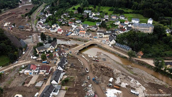 Вид сверху на затопленный Альтенар (фото из архива)