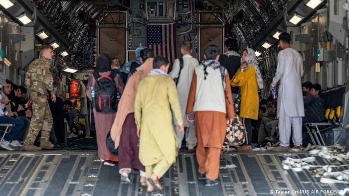 Afghanistan I Evakuierung am Flughafen Hamid Karzai