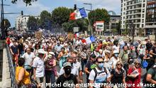 ©PHOTOPQR/L'INDEPENDANT/Michel Clementz ; PERPIGNAN ; 21/08/2021 ; PERPIGNAN LE 21 aout 2021 / SOCIAL / MANIFESTATION CONTRE LE PASS SANITAIRE ET CONTRE LES MEDIAS / PLUS DE 2500 MANIFESTANTS DANS CENTRE VILLE DE PERPIGNAN / ILLUSTRATION / CORTEGE ET MESSAGES / France, Perpignan anti-health pass protests August 21 2021