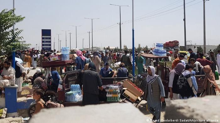 Afghanistan Kabul Airport | Flüchtlinge warten auf Ausreise