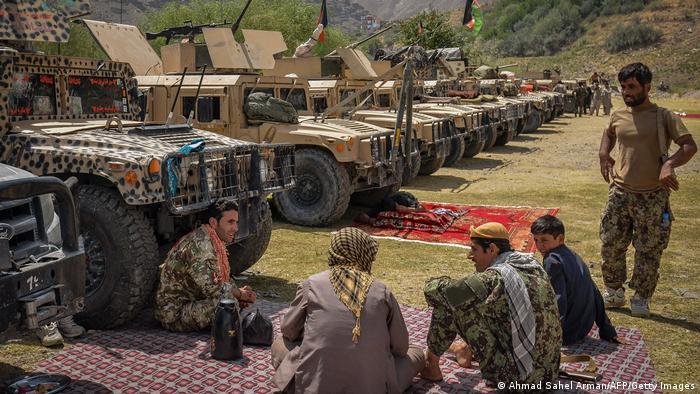 Des combattants anti-talibans dans le Panchir (le 19 août 2021)